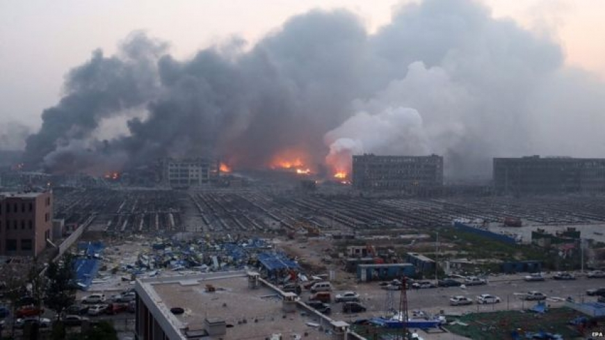 China blasts: Casualties in Tianjin port city explosions